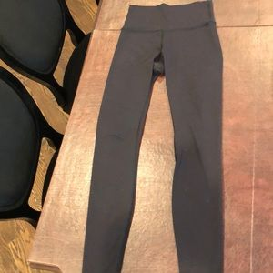 Lululemon Long leggings 28 inch inseam size 4